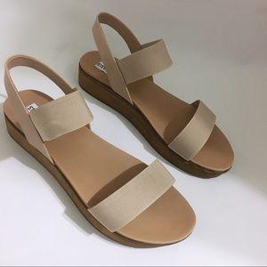 Steve Madden Agile Blush Platform Sandals 9.5 NWT